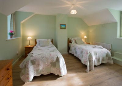 Beds Single Twin Room Bedroom Dresser Holiday-Homes-Ireland-Meath-Dunshaughlin-Self-Catering