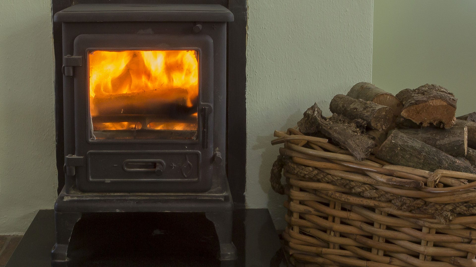 Living-Room-Fireplace-Kindling-Logs-Wood-Wicker-Basket-Cottage-House-Holiday-Homes-Ireland-Meath-Dunshaughlin-Self-Catering