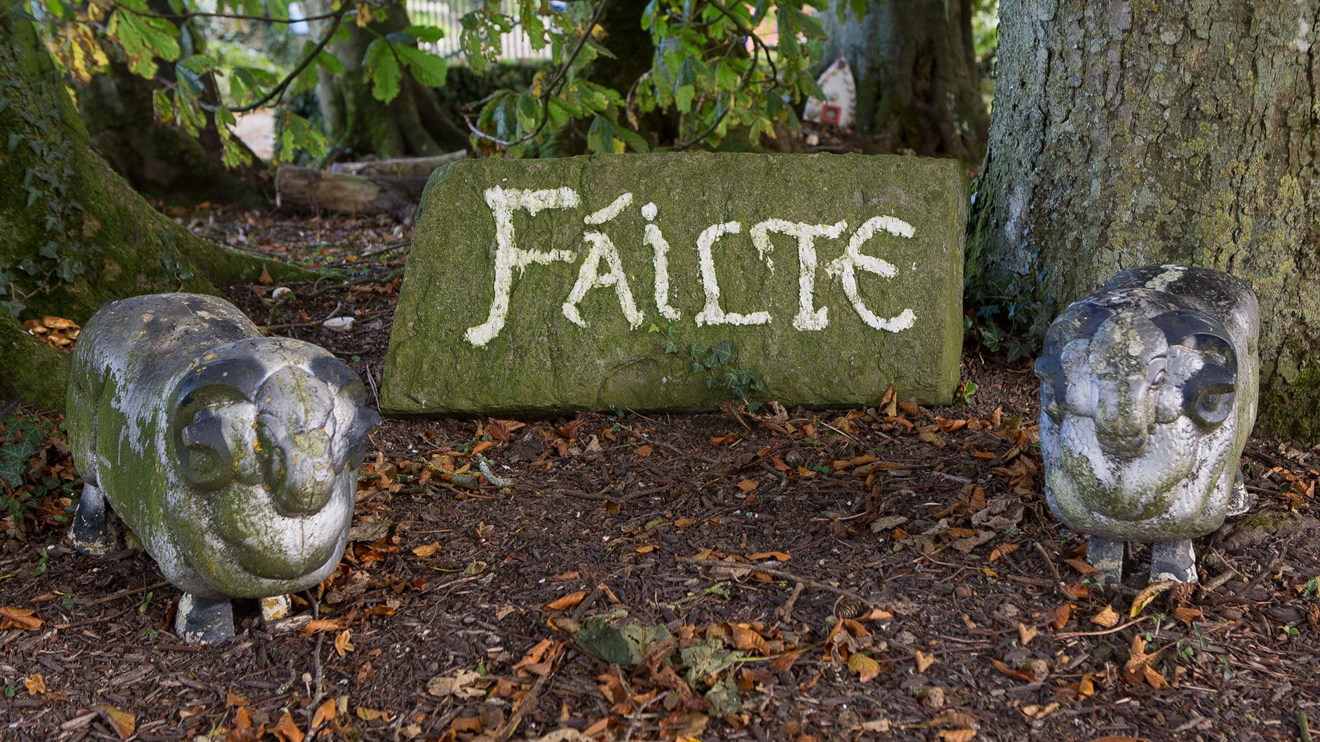 Statues Failte Welcome Irish Outdoors Escape Nature Field Trees Farm Holiday-Homes-Ireland-Meath-Dunshaughlin-Self-Catering