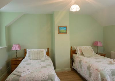 Twin Beds Single Bedroom Blankets Holiday-Homes-Ireland-Meath-Dunshaughlin-Self-Catering